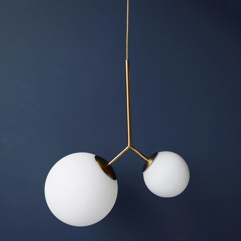 Suspension deux globes en verre opaque blanc Twice Opal House Doctor