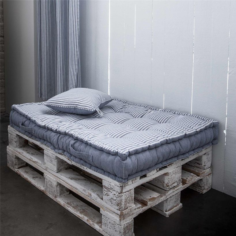 matelas de sol pour palette en coton ray bleu et blanc. Black Bedroom Furniture Sets. Home Design Ideas