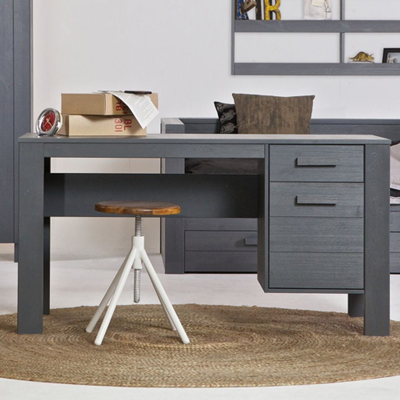 bureau en pin massif bross gris fonc 2 tiroirs dennis fabrication europ enne decoclico. Black Bedroom Furniture Sets. Home Design Ideas