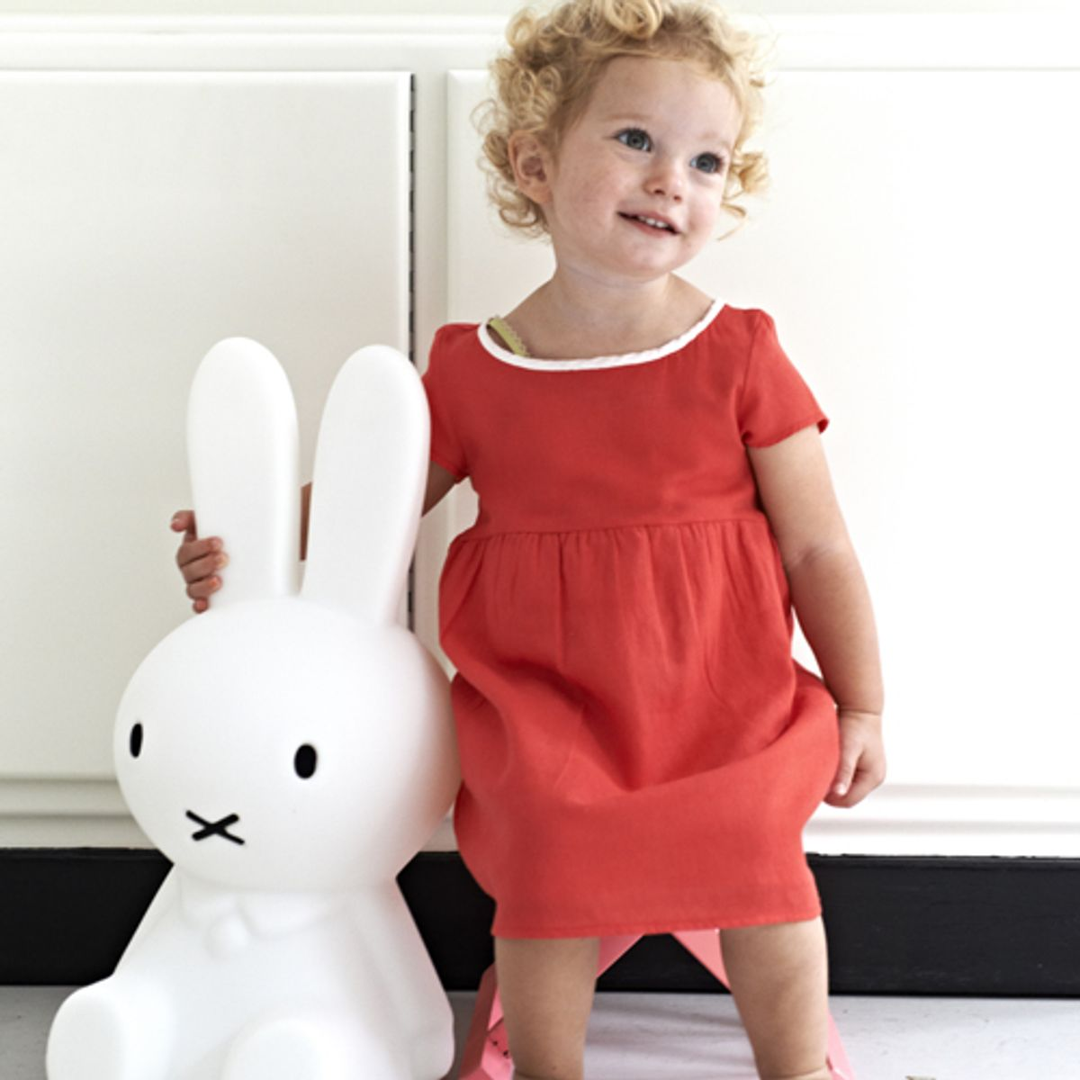 lampe poser en polypropyl ne miffy lapin mr maria. Black Bedroom Furniture Sets. Home Design Ideas