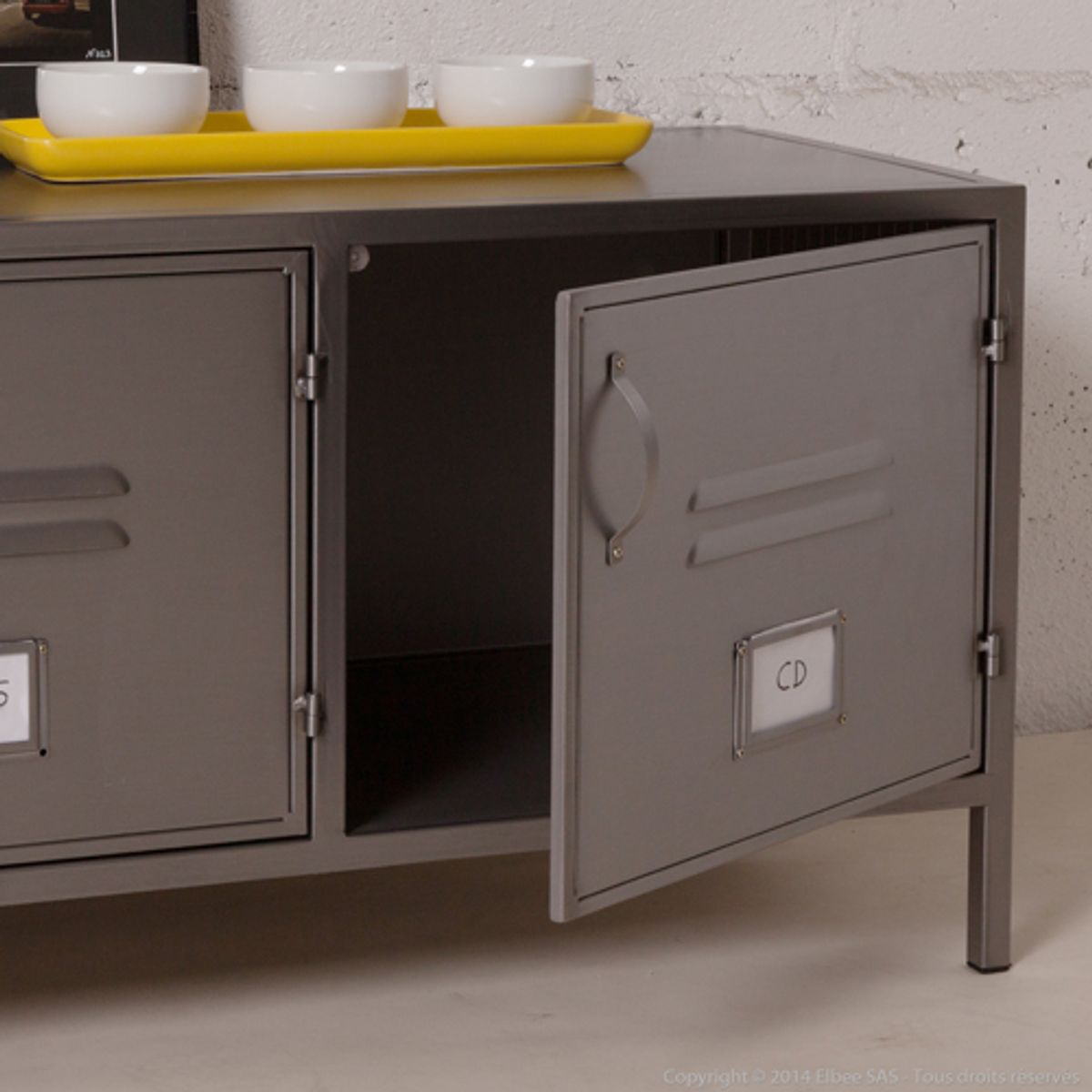 Buffet bas et large en m tal gris 3 portes casiers style for Meuble 3 portes