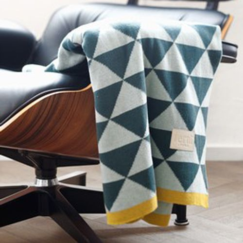 Ferm Living - Plaid en coton motif triangles Remix Menthe Ferm Living - 120x150cm