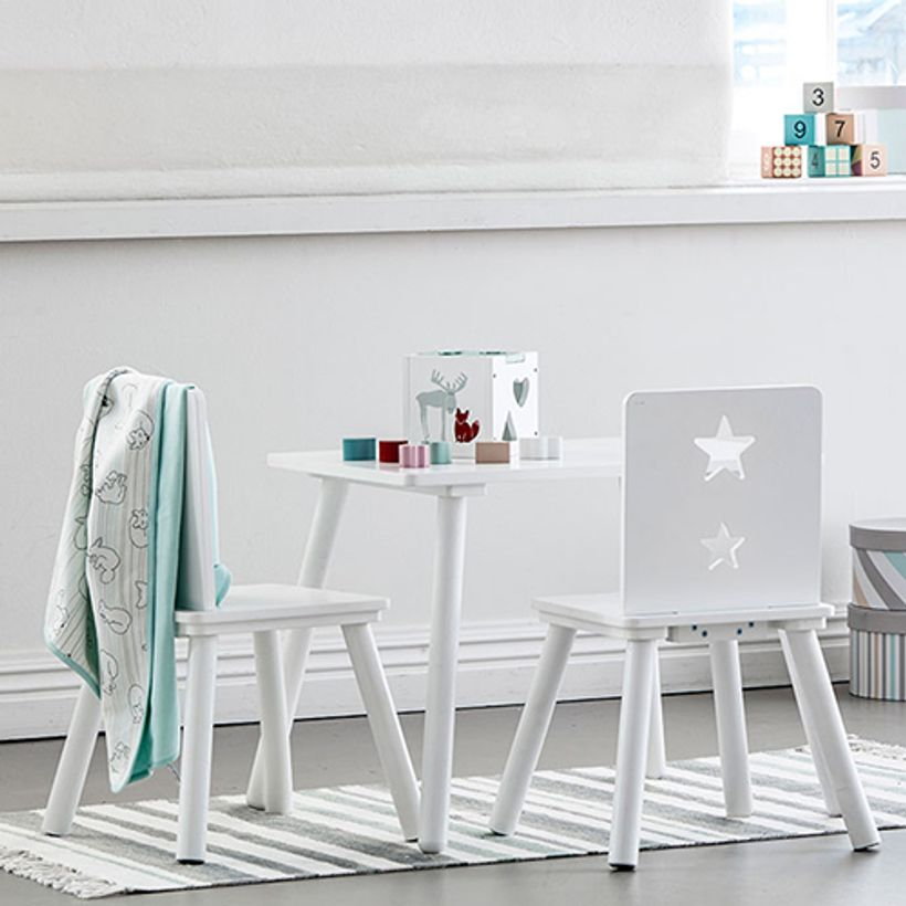 table enfant rectangulaire bois blanc star kid 39 s concept decoclico. Black Bedroom Furniture Sets. Home Design Ideas